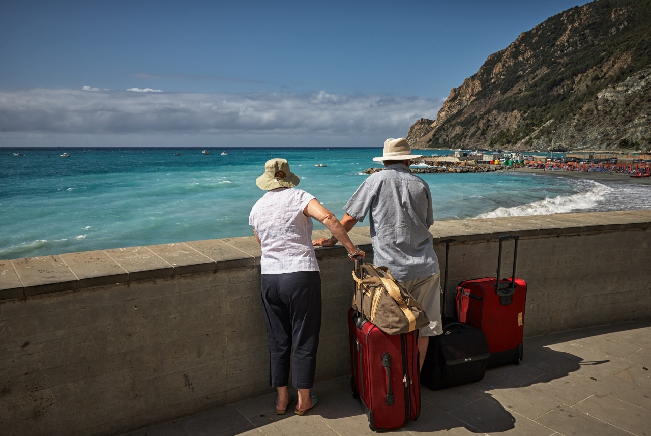 woman, man, beach, luggage