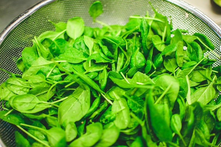 Digestion aids spinach juice