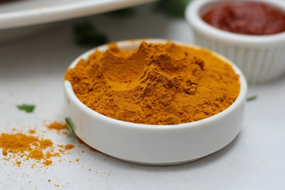 Turmeric paste- Best Stye Remedies